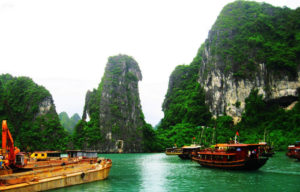 Halong-bay-hanoi-tour